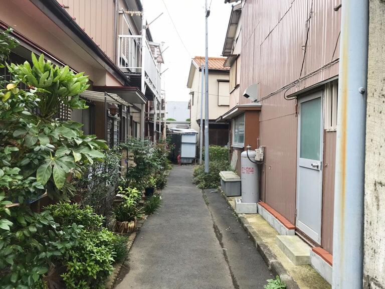 鳩ヶ谷 サラ金の家 道路