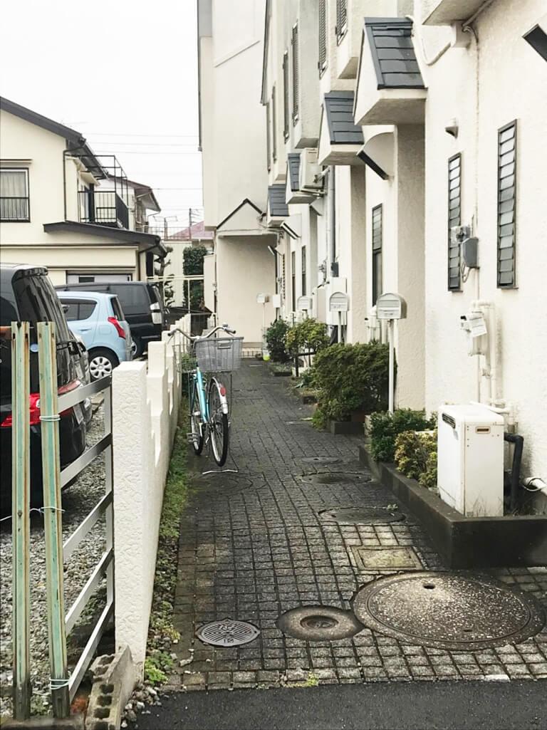 くぬぎ山 再建築不可の家 通路