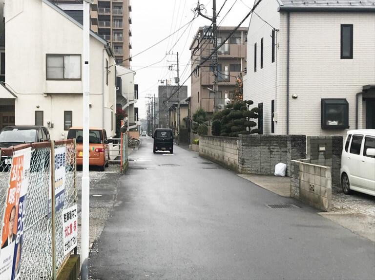 くぬぎ山 再建築不可の家 道路