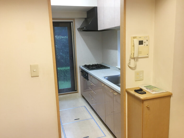 終活不動産 リノベーションマンション クリオ三鷹 リフォーム前キッチン