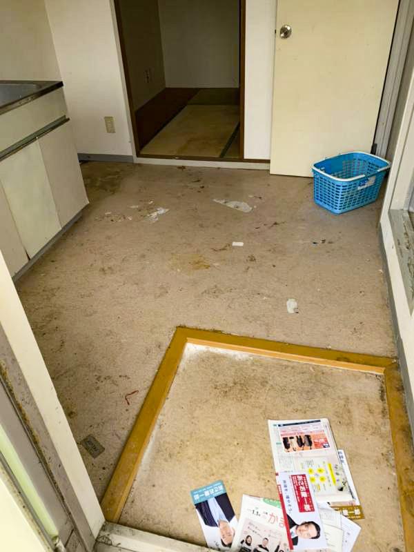 鎌倉笛田 入居率30%以下ご高齢者率100%アパート 玄関
