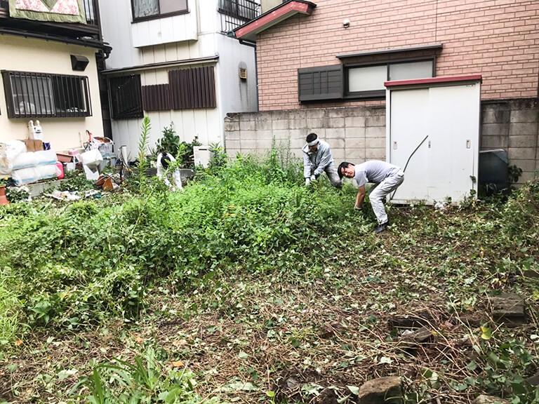 西尾久 再建築不可 庭付き戸建て 草むしり