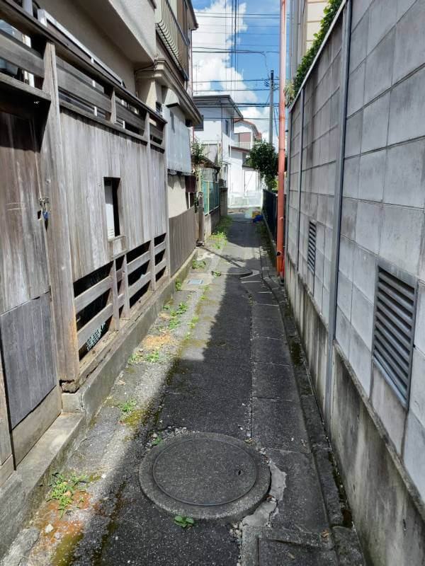 通路 南小岩 再建不可・猫のオシッコ悪臭の家